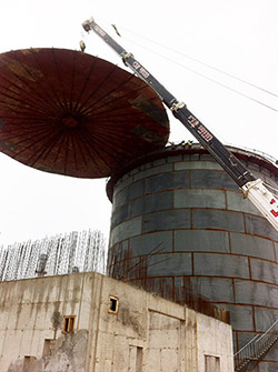Raising a roof tank - Gorad power station