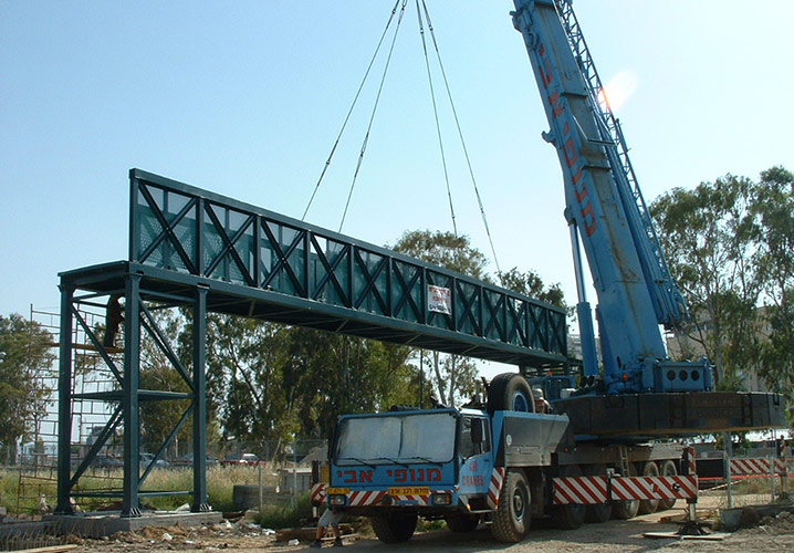 Acco bridge